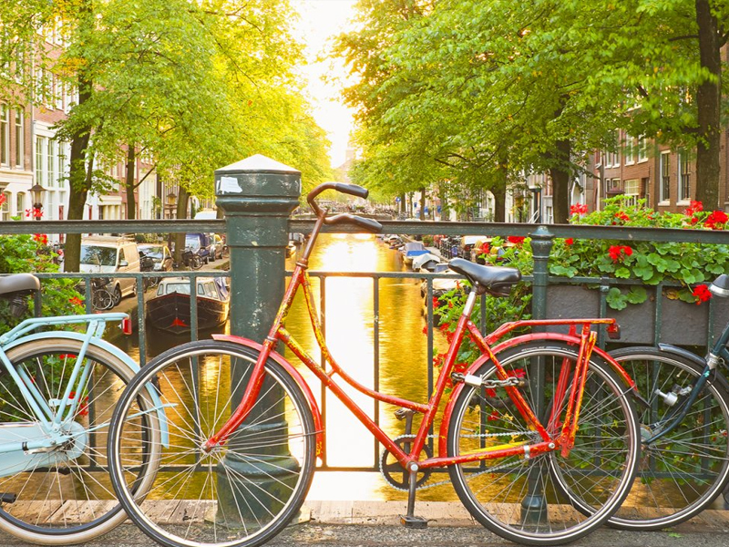 Exploring the City of Amsterdam on a Bike