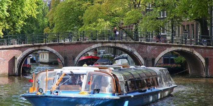 amsterdam-walk3-700x350