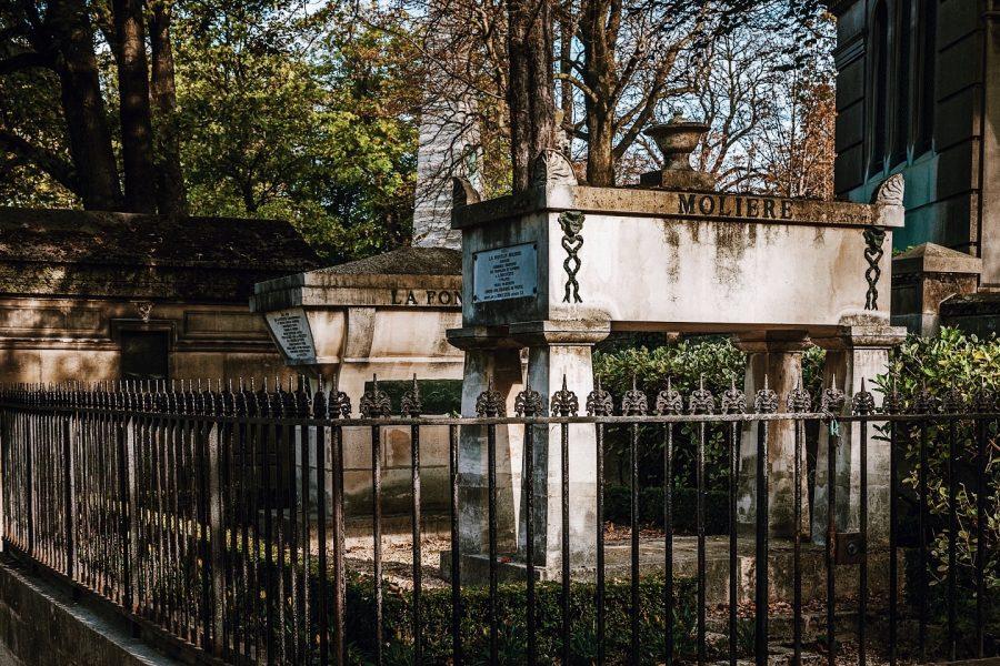 Cemetery-Paris-Tour-Père-Lachaise-Jim-Morrison