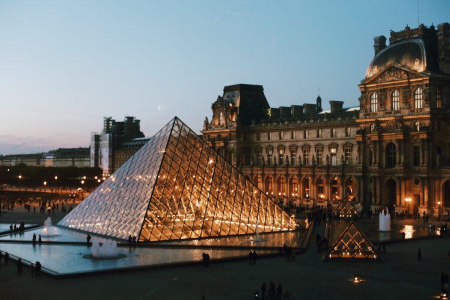 Guided-Lisa-Mona-Paris-Museum-Tour-Louvre-Museum-Milo-venus