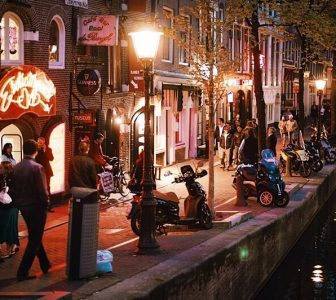 Red Light District Guided Walking Tour – Semi-Private