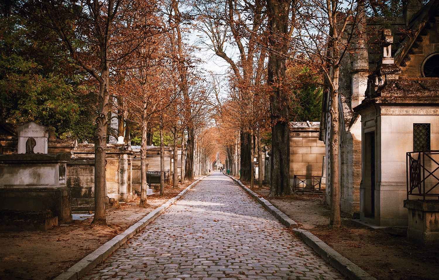 Pere Lachaise Cemetery Guided Walking Tour – Private