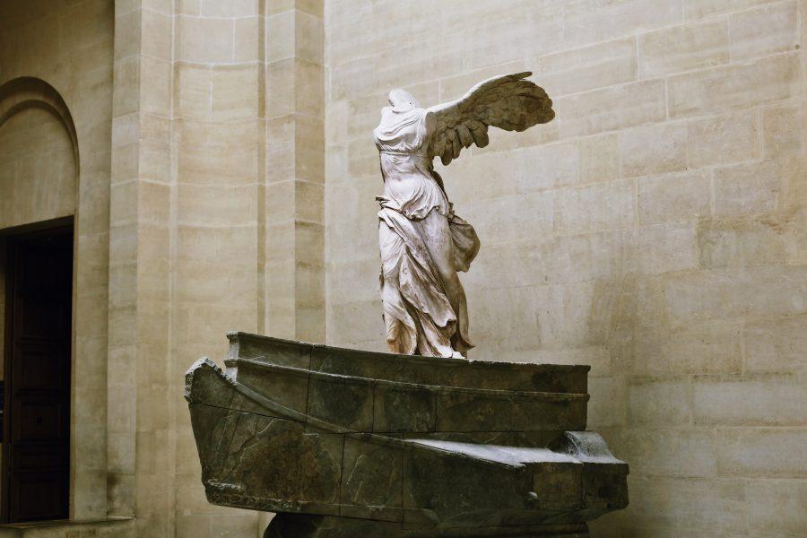 Venus-Milo-Louvre-Paris-Museum-Tour-Lisa-Mona
