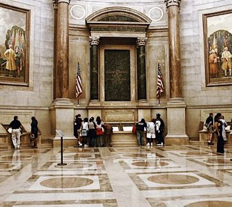 Skip-The-Line DC National Archives Building & Capitol Hill Guided Combo Tour – Semi-Private