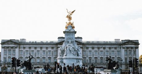 Changing of the Guard at Buckingham Palace Guided Walking Tour – Semi-Private