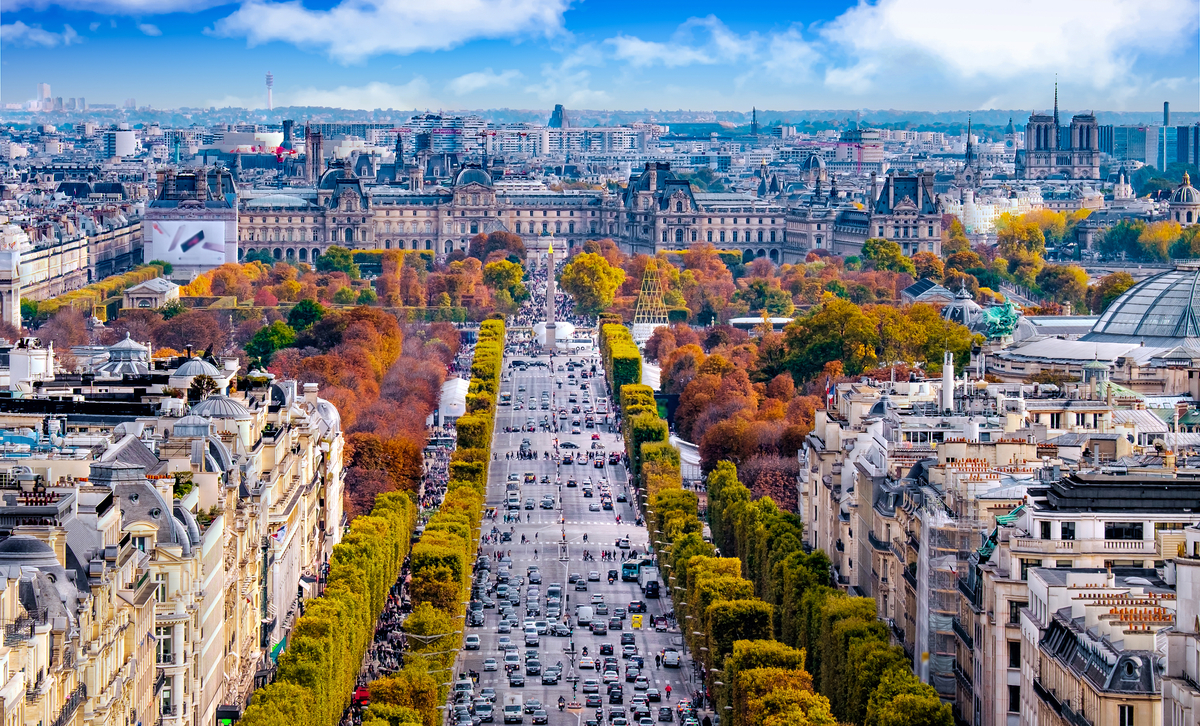 Champs Elysees Paris travel guide
